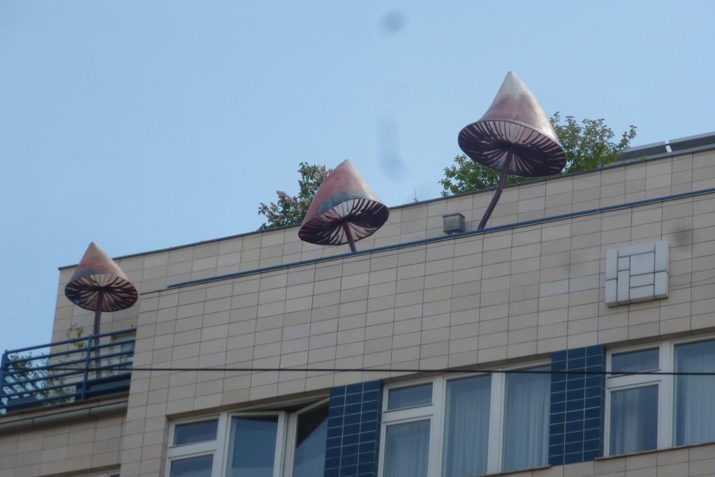 sculpture sur le balcon de l'hotel mosaic house à Prague