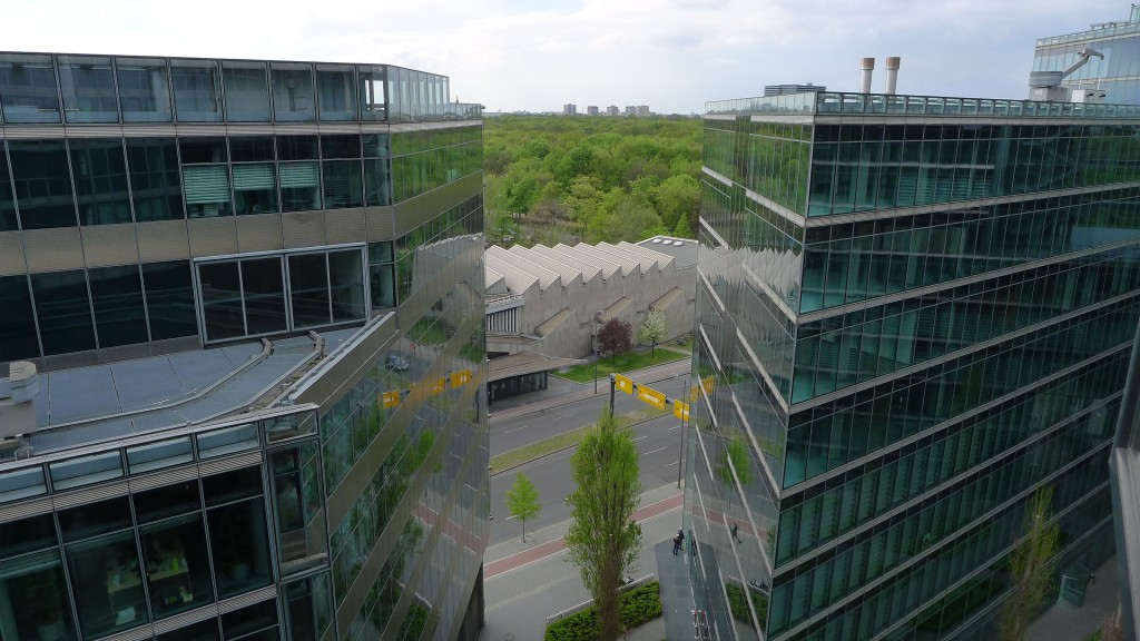Vue de notre appartement dans le Sony Center