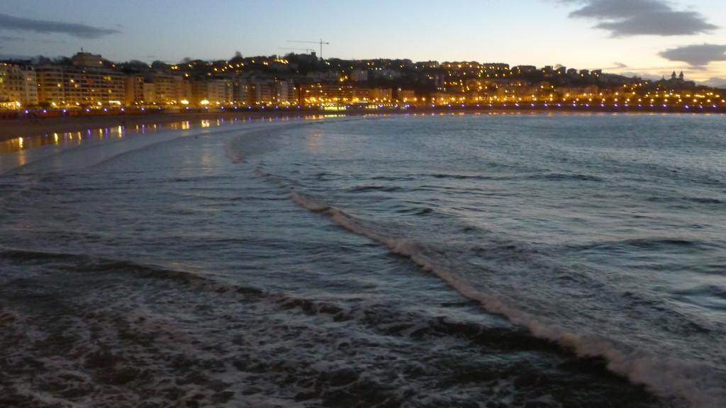 Concha au bord de l'eau le soir
