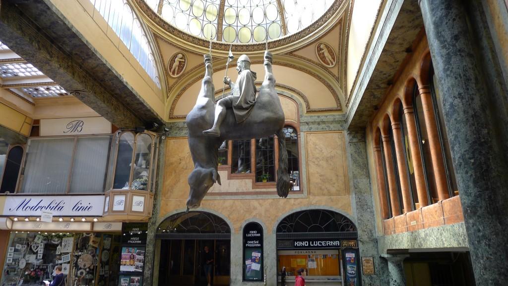statue Venceslas de David Cerny