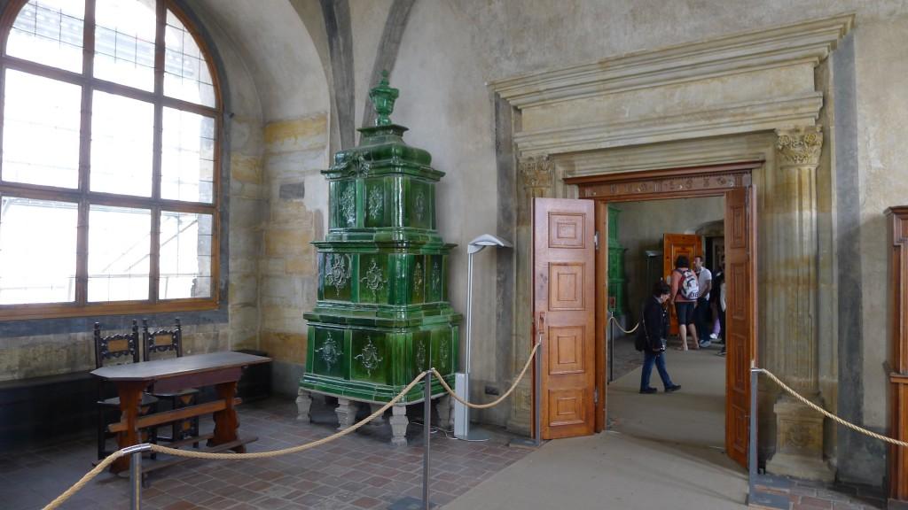 poêle à bois en céramique du château