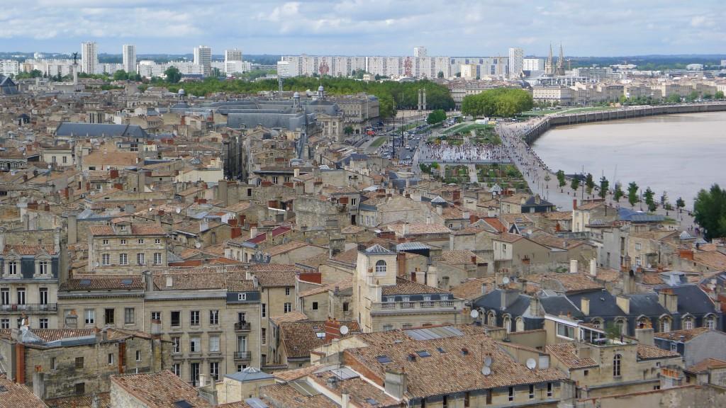 Bordeaux vue de la flèche saint Michel
