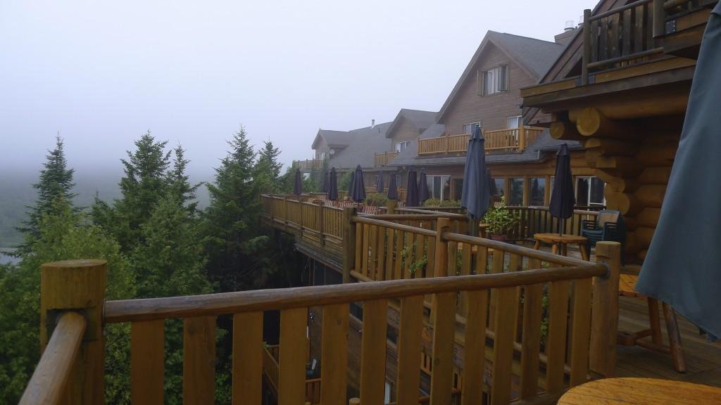 vue du balcon hôtel à Sacacomie
