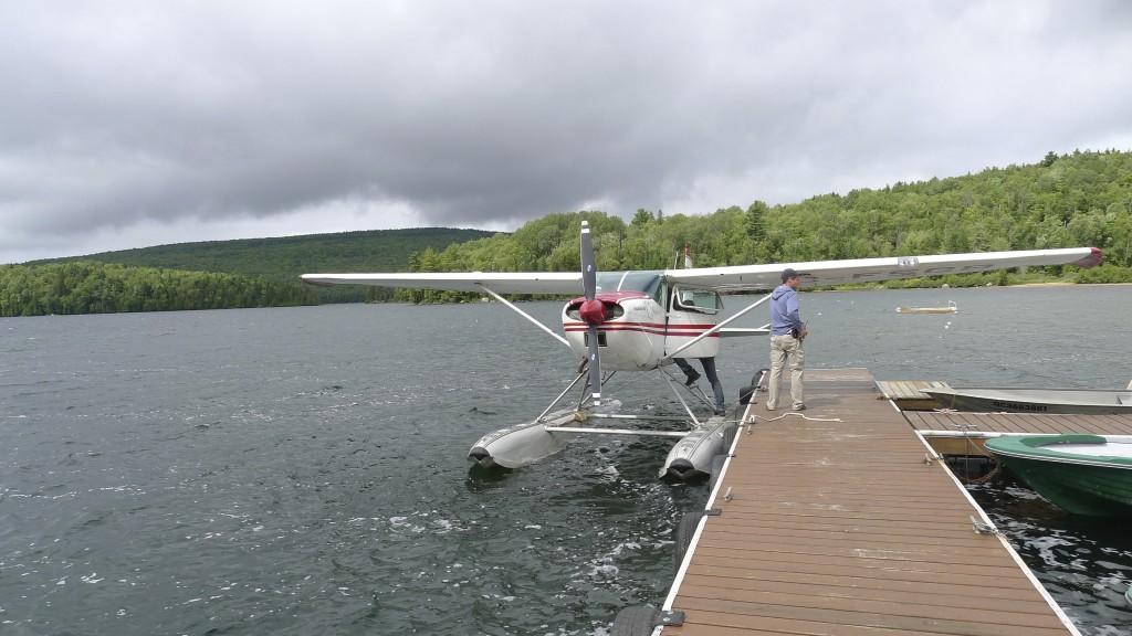 hydravion sur lac Sacacomie