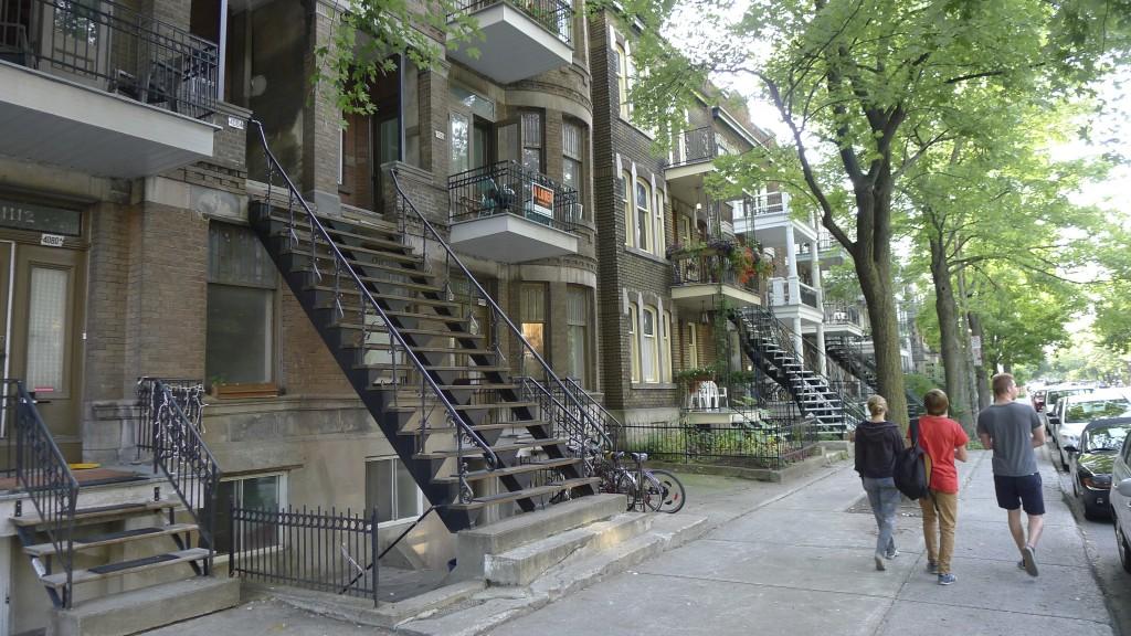 rue typique à Montréal