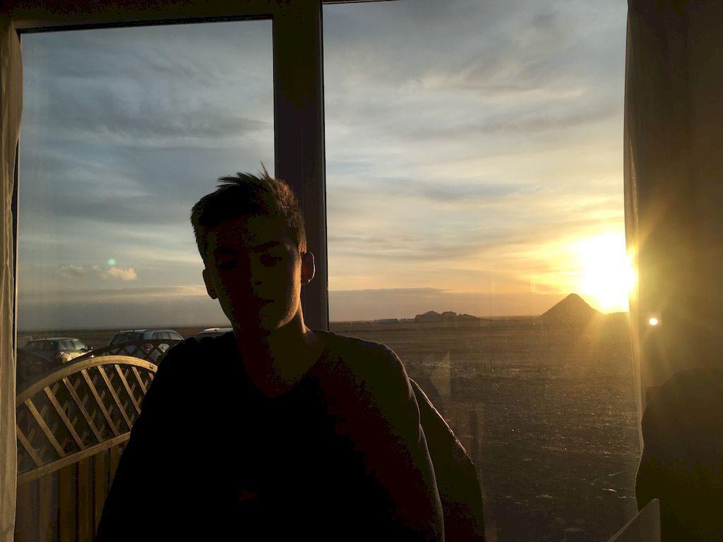 soleil couchant sur les baies vitrées
