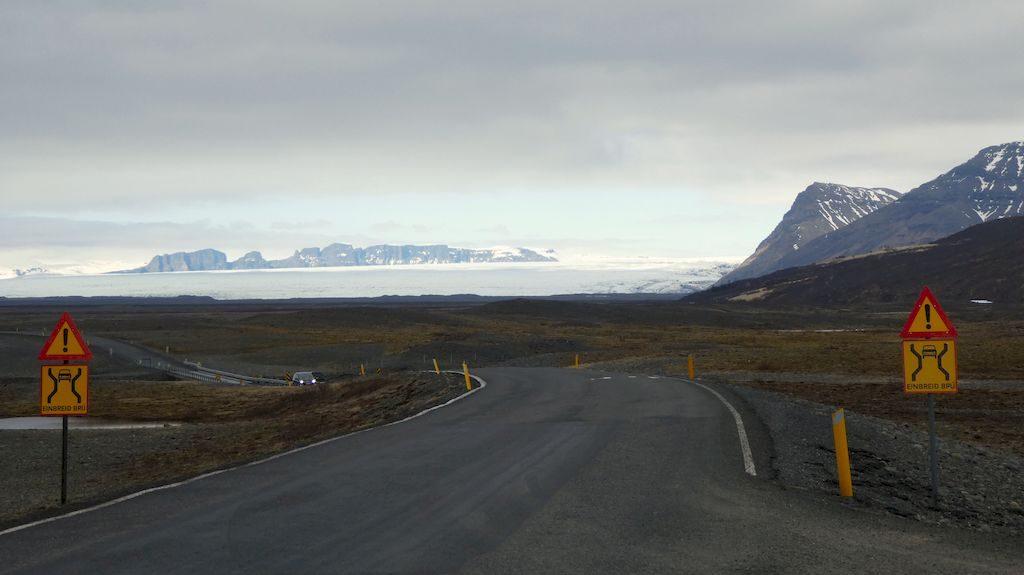 vue de loin du glacier