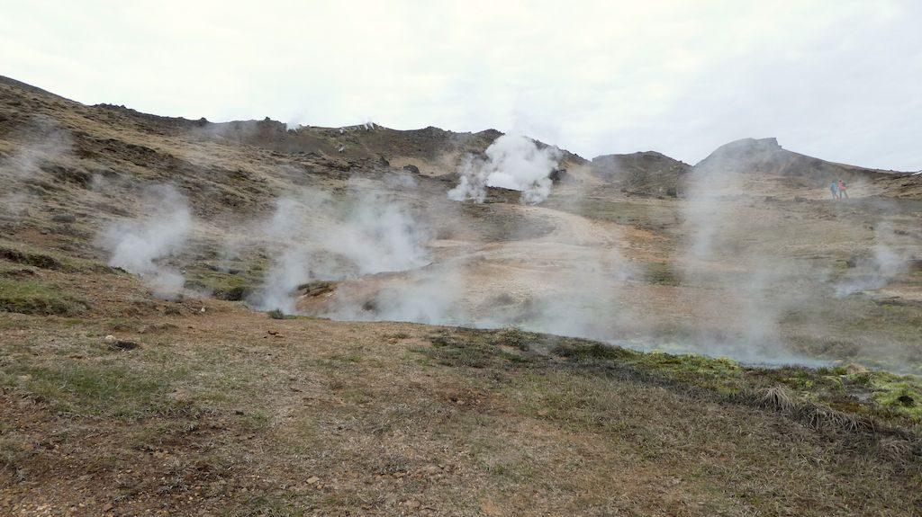 fumerolles dans la vallée
