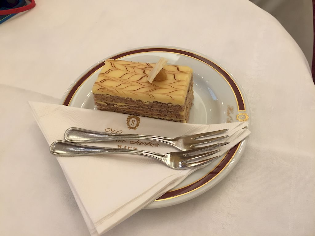 un gâteau au café Sacher