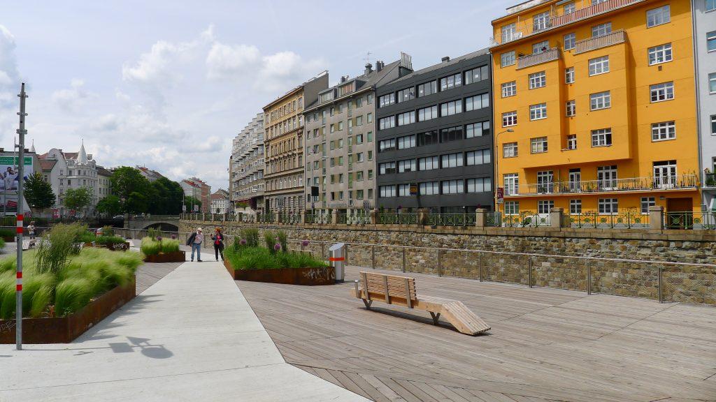 les quais de la Vienne