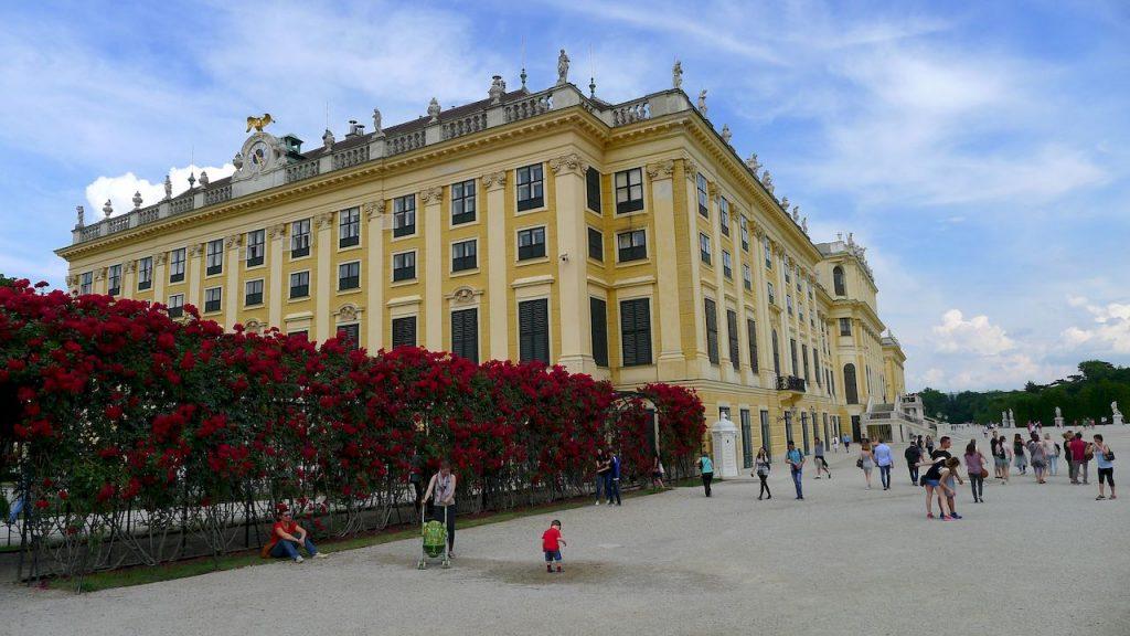 côté du palais de Schonbrunn