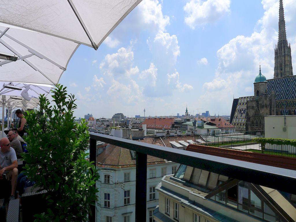 vue de la terrasse de l'hôtel Lamée