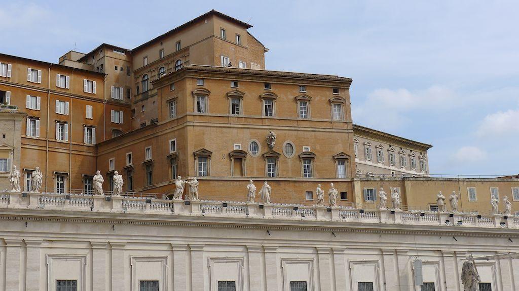 Les statues des Saints du Vatican