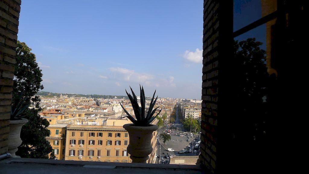 vue de l'extérieur du Vatican