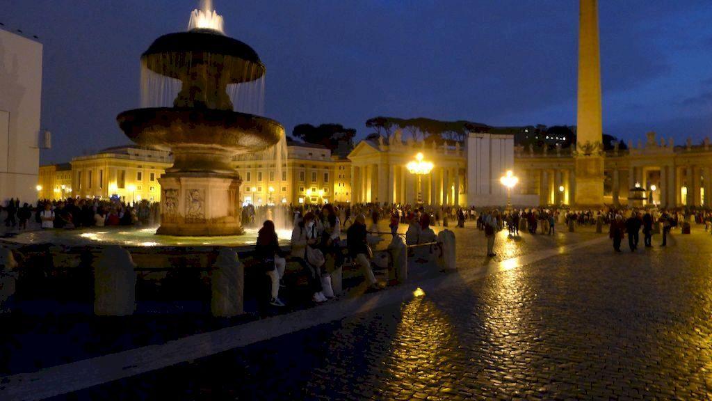 place Saint Pierre de nuit