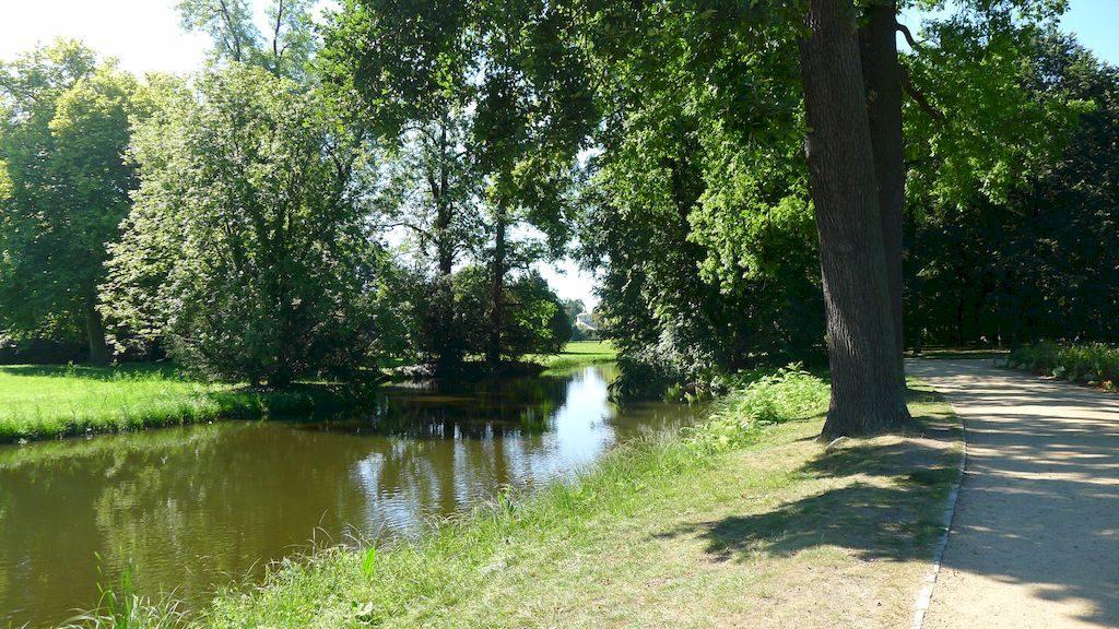 le petit ru dans le parc Sans Souci