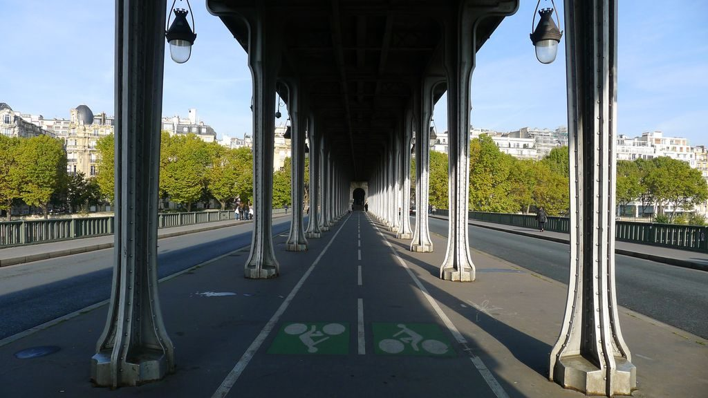 piste cyclable traversant la Seine