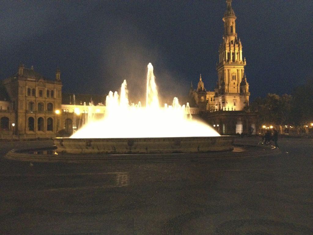 place d'Espagne de nuit