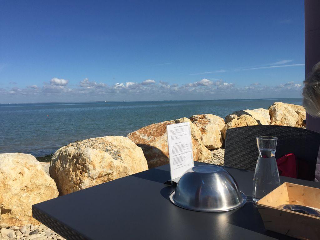 Déjeuner chez Jacky et Sophie Auberge paysanne de la Mer