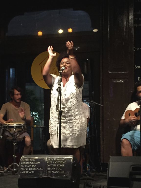 Le club de musique carioca de Gema à Rio