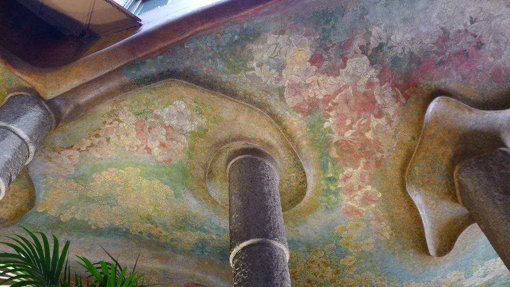 détail des plafonds de la casa Mila