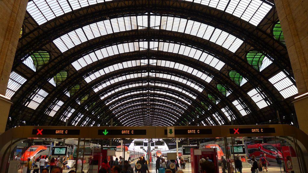 Accès au quai de la gare Milano Centrale