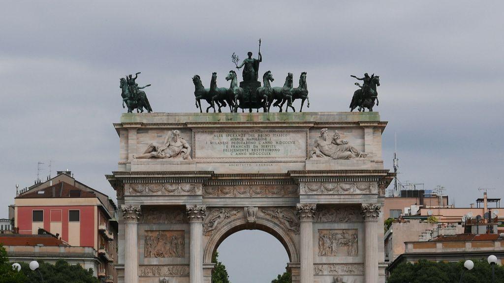 détail de Arco della Pace à Milan
