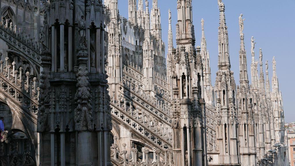 Les pointes de la cathédrale du Duomo à Milan