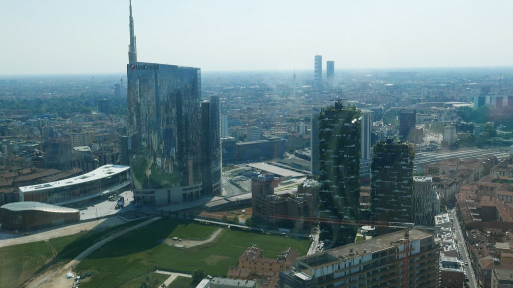 La tour de UniCredit- porte Garibaldi
