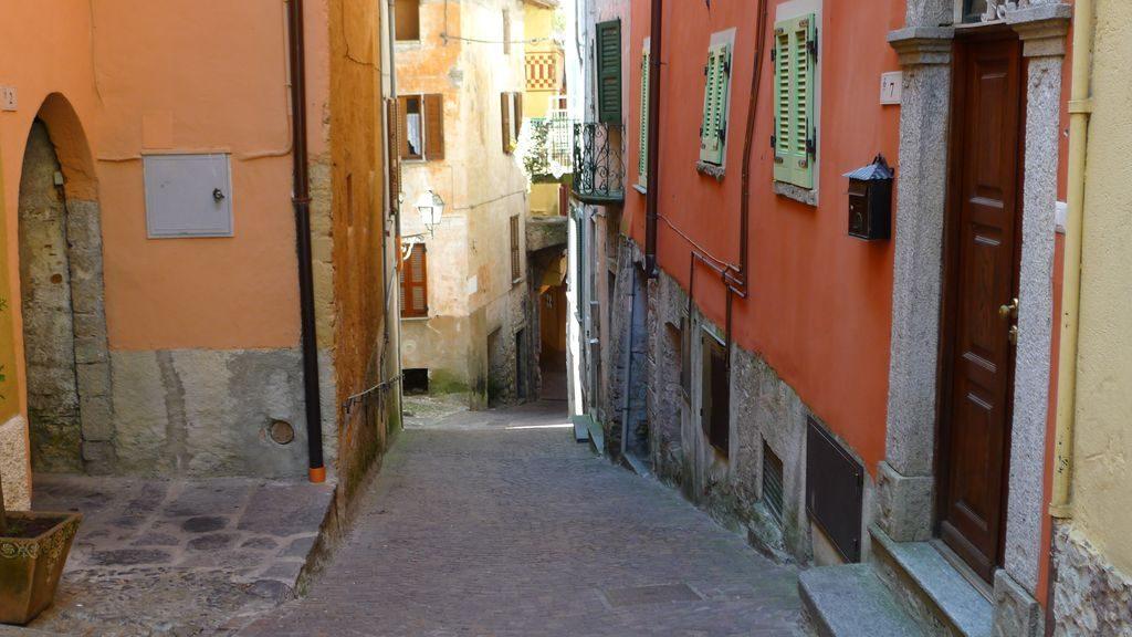 Une rue à Argegno