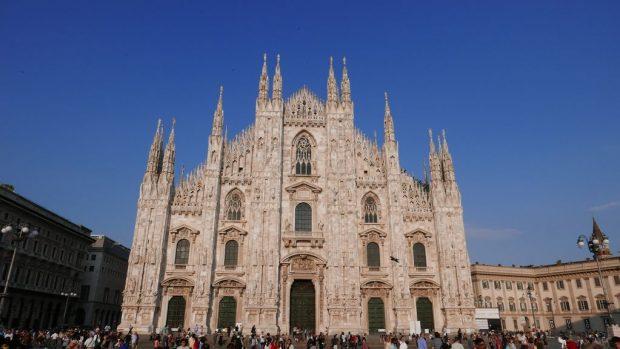 Marbre blanc de la facade du Duomo Milan