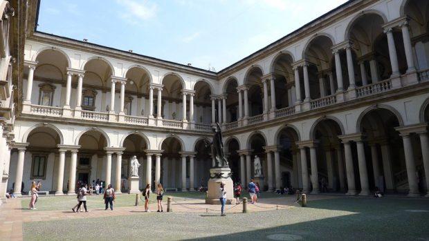 la cour de la Pinacothèque Milan
