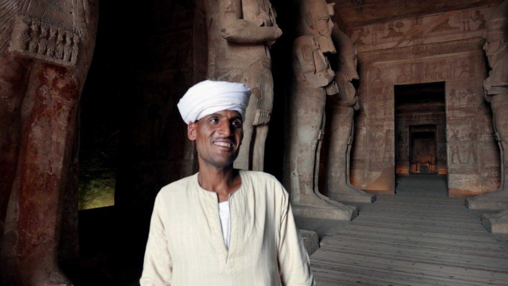Gros plan sur le gardien du temple de Ramsès II a Abu Simbel